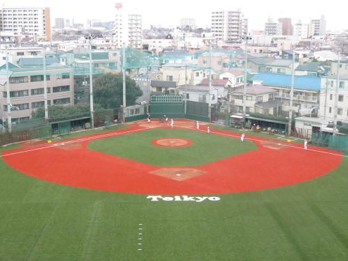 【高校野球】帝京野球部のグラウンドが全面人工芝に生まれ変わる センバツ尻目に夏へ秘策も