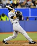 松井、復帰2戦目で復活の中二塁打