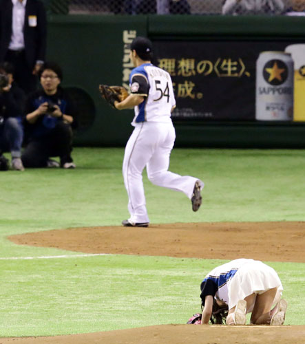 http://www.nikkansports.com/baseball/news/img/bb-in-150407-06-w500_4.jpg