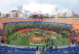 横浜スタジアム(ハマスタ)の座席表のキャパや見え …