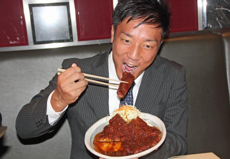 中日育成4位西浜「矢場とん」でトントン拍子仮契約 - 野球 : 日刊スポーツ