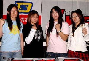 左から再デビュー戦を行う中島安里紗、阿部幸江、中... 再デビュー中島安里紗「すべて取り戻す」