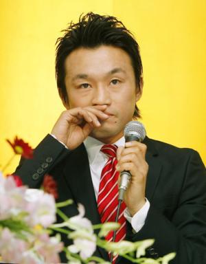 日本人初の名誉王者西岡利晃が引退表明