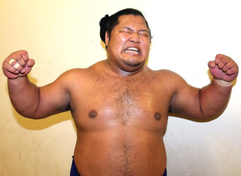 http://www.nikkansports.com/battle/sumo/news/img/P15_sumo_syouhou_001-ogp_0.jpg