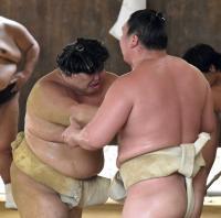 bt-sumo-shodai-kc20170705-w200_0.jpg