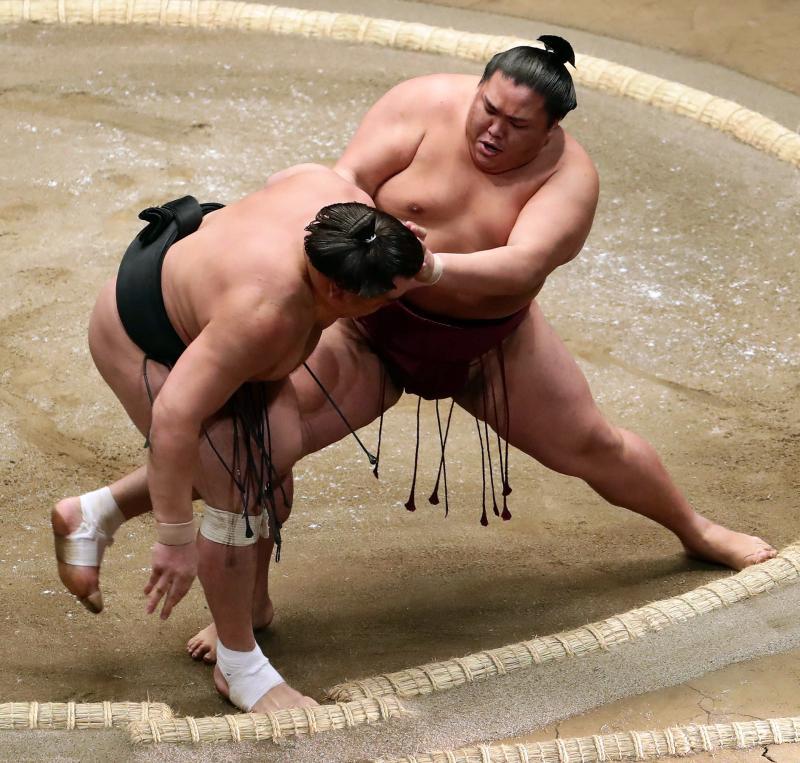 http://www.nikkansports.com/battle/sumo/news/img/btl-krs-20170109-mtkum-ogp_0.jpg