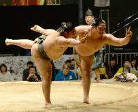 双子力士の貴公俊&貴源治、最後の初っ切り披露 - 大相撲 : 日刊スポーツ
