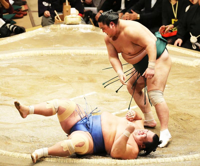 http://www.nikkansports.com/battle/sumo/news/img/iza-bt-170109-01kotosyo-ogp_0.jpg
