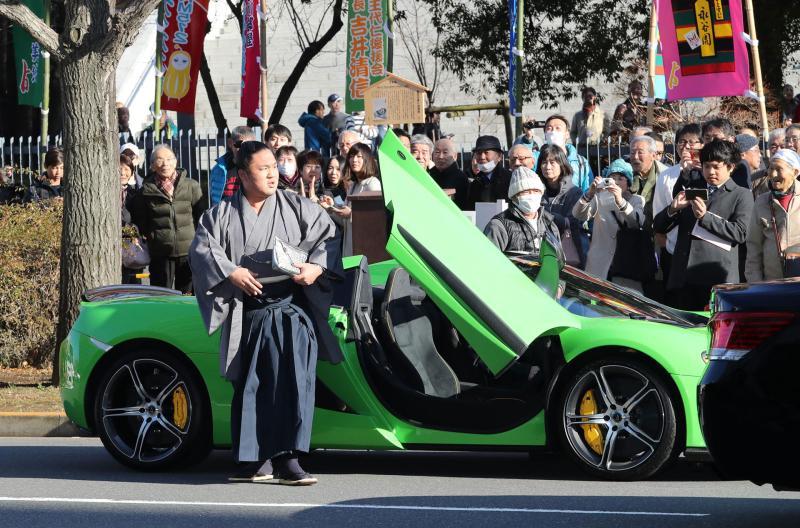 http://www.nikkansports.com/battle/sumo/news/img/k-sp-170110-isiura-0007-ogp_0.jpg