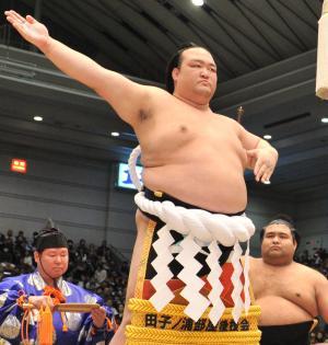 【大相撲】<稀勢の里>「北斗の拳」化粧まわし あえてラオウ選択!横綱昇進祝賀会で披露