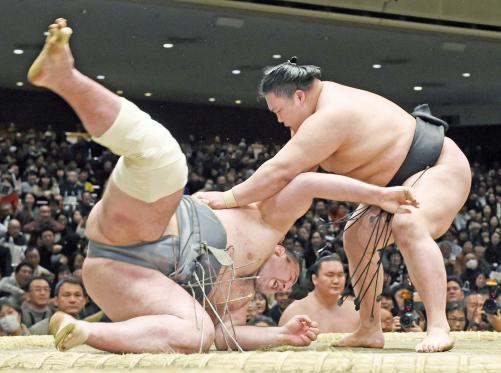 http://www.nikkansports.com/battle/sumo/news/img/kmr-bt-goeido1957-20170109-w500_0.jpg