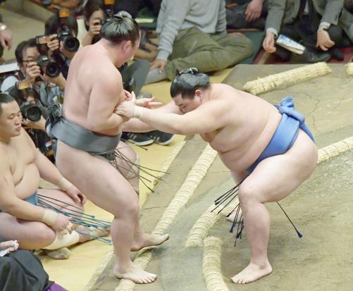 http://www.nikkansports.com/battle/sumo/news/img/kmr-bt-syoudai2011-20170109-w500_0.jpg