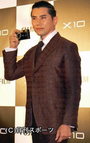 富士フイルムの新製品発表会に出席した本木雅弘(撮影・小林千穂) 富士フイルムの新製品発表会に出席
