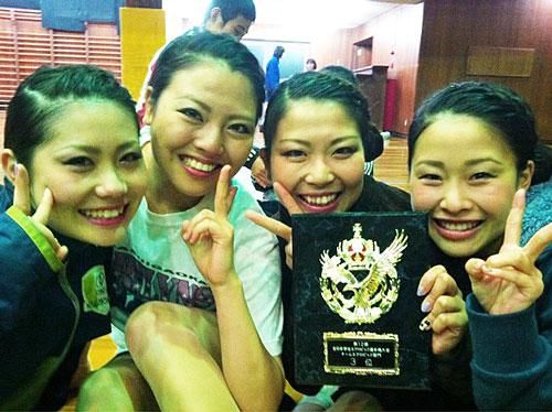 エアロビクス全日本学生選手権チーム部門3位になった時の仲間。左から2人目が中田夕貴