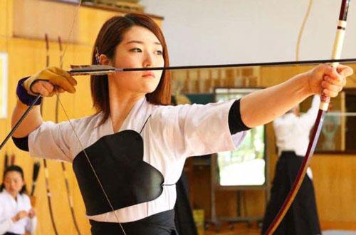 学生時代は弓道で活躍(本人提供)