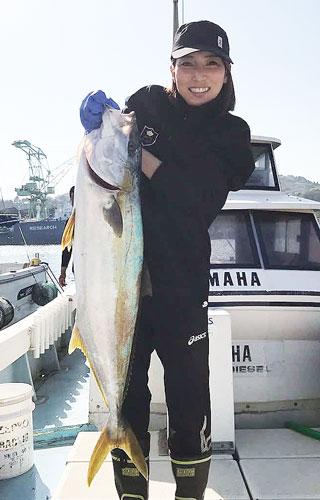 趣味の釣りでヒラマサ8キロをゲット