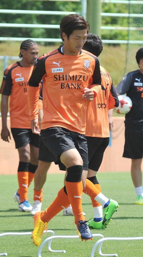 【サッカー】<J1第13節>横浜FH・ヴィエイラが2試合連続の2得点!清水は11試合未勝利 俊輔不在の磐田、広島とスコアレスドロー