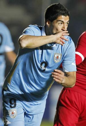 同点ゴールを決めたスアレス(AP) 同点ゴールを決めたスアレス(AP) <南米選手権:ウルグアイ