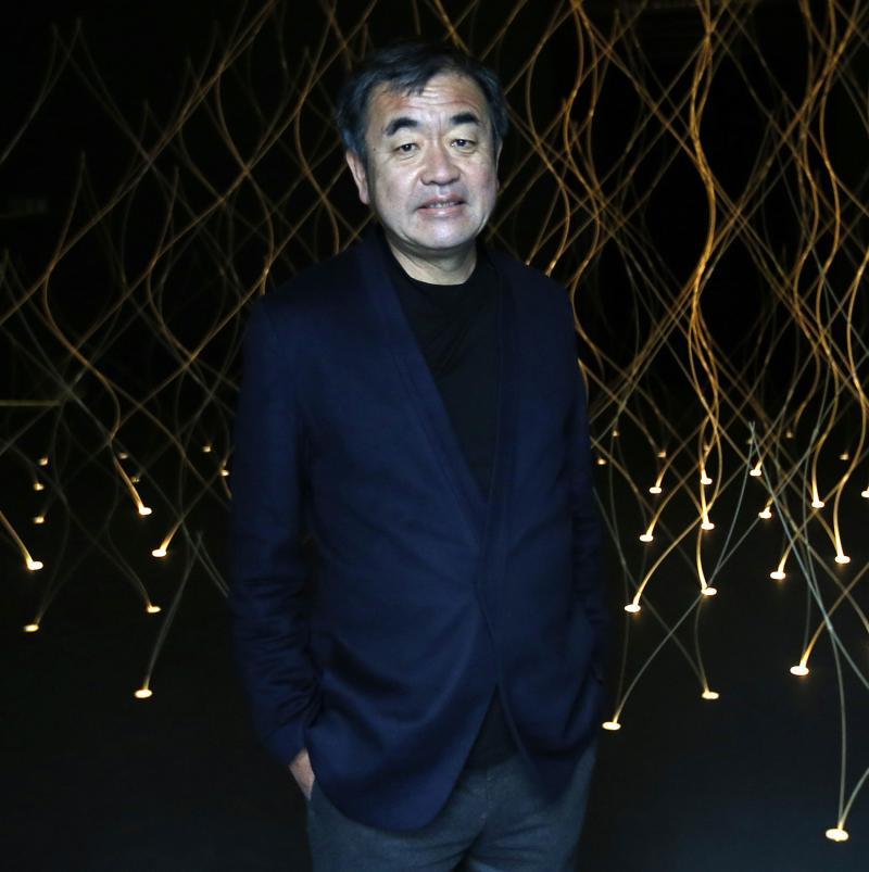 ... 隈研吾氏は現在東大教授の61歳