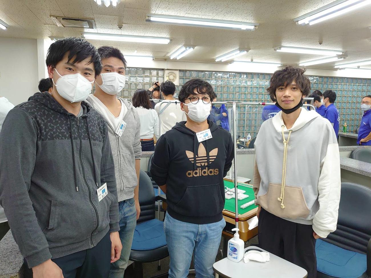 今大会から参戦のアンファー。右から2人目が日名俊亮さん