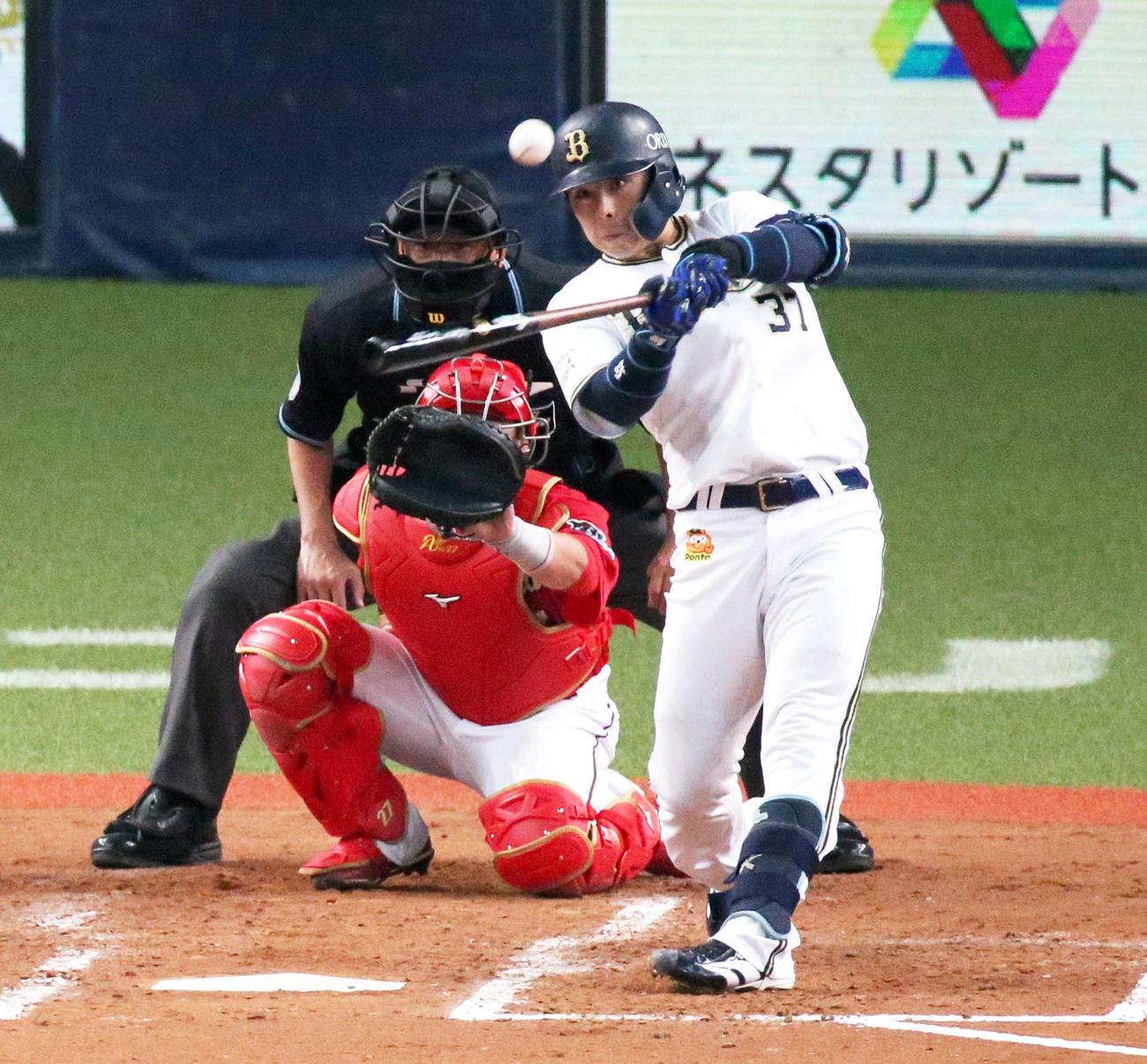 5日広島戦、左越えに先制本塁打を放つ若月(2020年6月5日撮影)