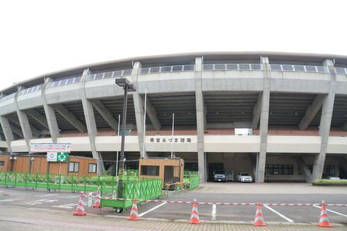 県営あづま球場の外観(撮影・島根純)