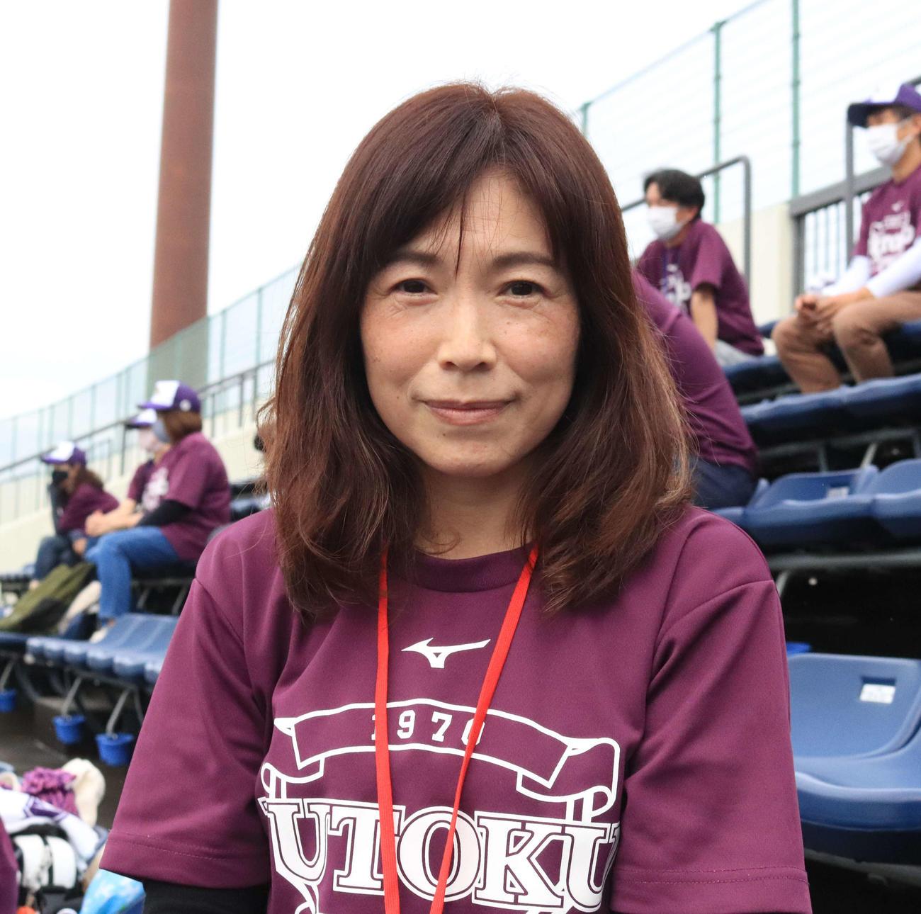 応援に訪れた樹徳・茂木豪汰の母友子さん(撮影・小早川宗一郎)