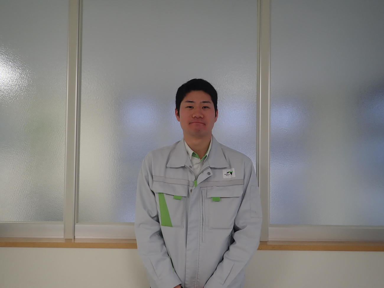 NEXCO東日本北海道支社室蘭管理事務所に勤める東北大OBの鳩原さん(本人提供)