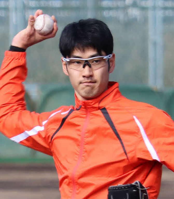 2月、合同自主トレでキャッチボールをするBC神奈川・杉浦健二郎