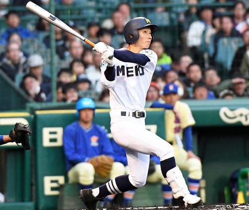 2回表三重1死二塁、梶田蓮が右越え2点本塁打を放つ(撮影・奥田泰也)