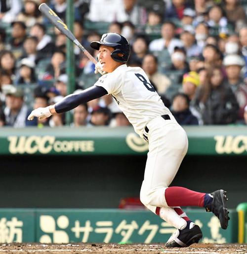 5回裏大阪桐蔭無死一、二塁、左越えに適時二塁打を放つ藤原恭大(撮影・上田博志)