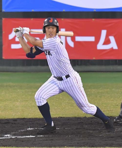 香港対日本代表 2回裏日本代表1死二、三塁、左越えに適時三塁打を放つ小園海斗(撮影・上田博志)
