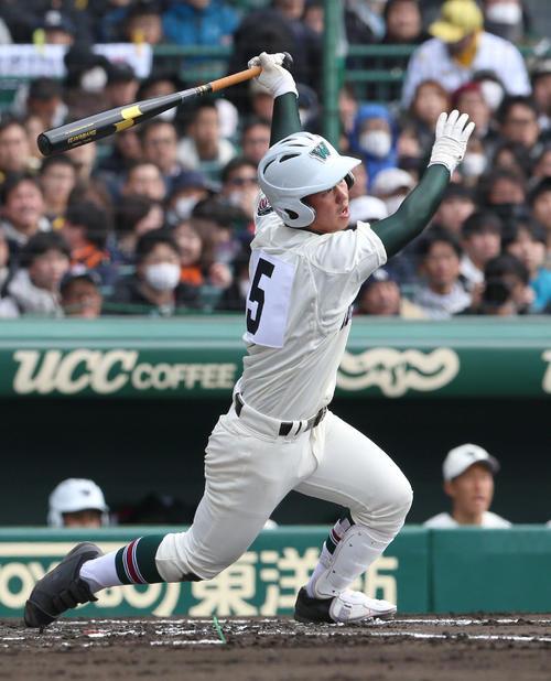 呉対市和歌山 1回裏市和歌山無死、山野雄也は右に二塁打を放つ (撮影・上山淳一)