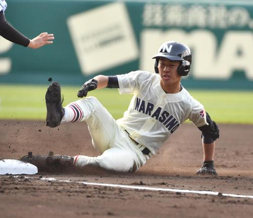 習志野対日章学園  1回表習志野1死二、三塁、高橋は左中間に三塁打を放つ(撮影・柴田隆二)