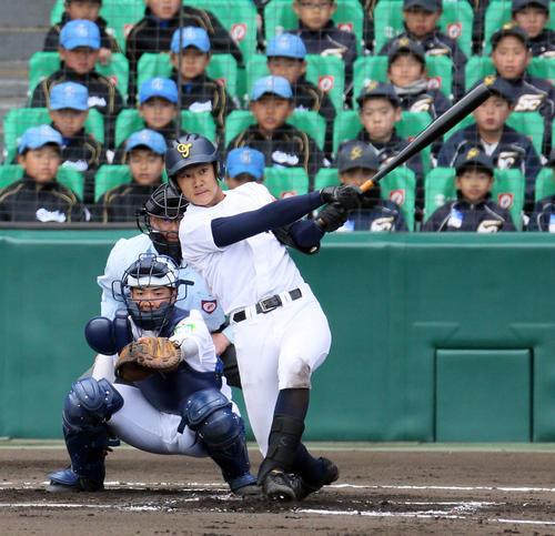 米子東戦でソロ本塁打を放った札幌大谷・北本(2019年3月24日撮影)