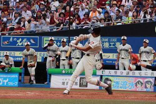 木更津総合対習志野 1回裏2死一、二塁、右越えに適時二塁打を放つ習志野・和田