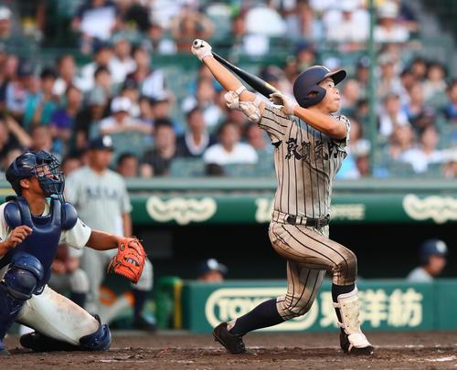 敦賀気比対国学院久我山 9回表敦賀気比無死一塁、杉田翔太郎は右越え2点本塁打を放ちサイクル安打を達成(撮影・足立雅史)