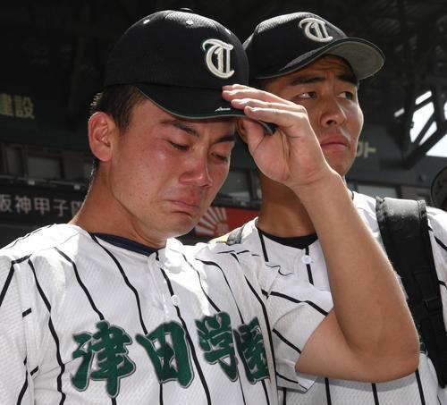 津田学園対履正社 履正社に負け号泣する前佑囲斗(撮影・奥田泰也)