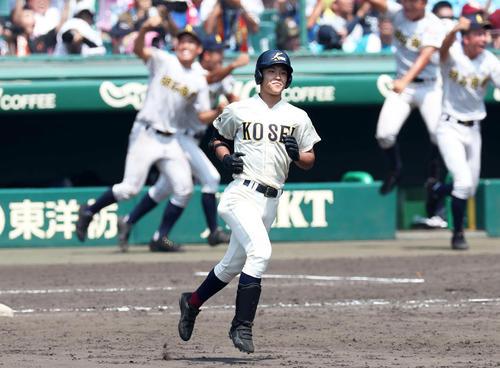 9回裏2死二塁、右飛に終わり、最後の打者となった八戸学院光星・武岡(撮影・白石智彦)