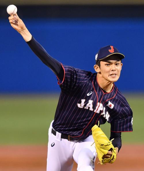 高校日本代表対大学日本代表 高校日本代表先発の大船渡・佐々木(撮影・横山健太)