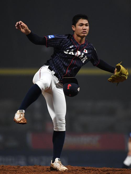 日本対台湾 5回裏途中から2番手で登板した西(撮影・横山健太)