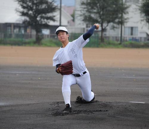 プロ志望届を提出した中越・菅井。引退後も練習を怠らない