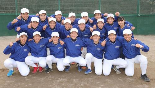 来春のセンバツ高校野球の21世紀枠で、東北地区の候補に選ばれ盛り上がる磐城の選手たち(撮影・野上伸悟)