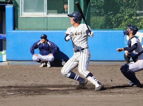 年内最後の練習試合で高校通算53号を放った東海大相模・西川(撮影・金子真仁)