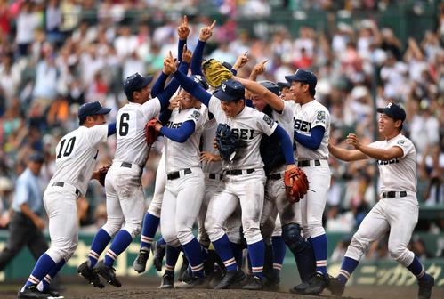今夏の甲子園で優勝した大阪代表の履正社
