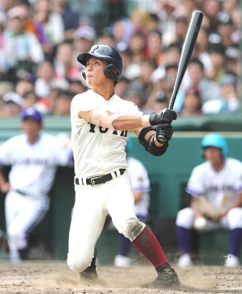 18年8月夏決勝で本塁打を放つ大阪桐蔭・宮崎