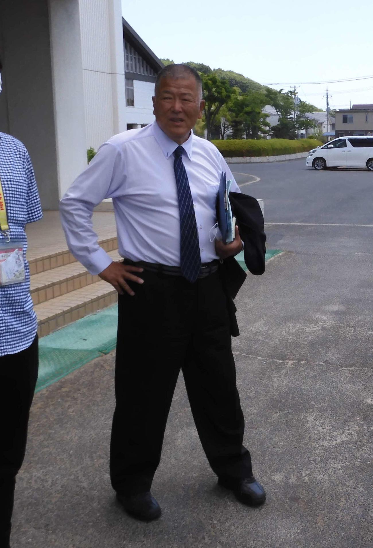 臨時の監督会議に出席した創志学園・長沢宏行監督