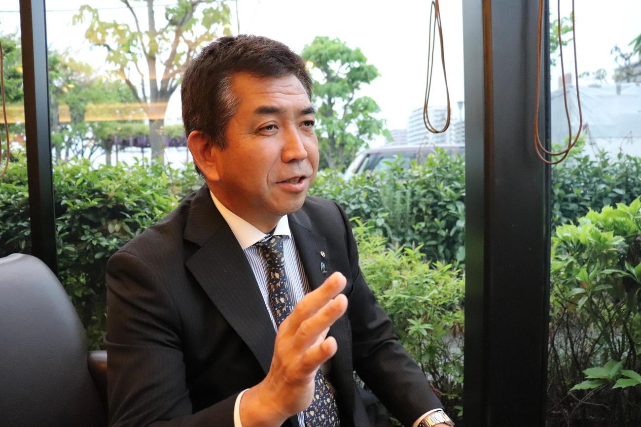 アジア野球連盟審判長の小山克仁氏(2019年4月26日撮影)