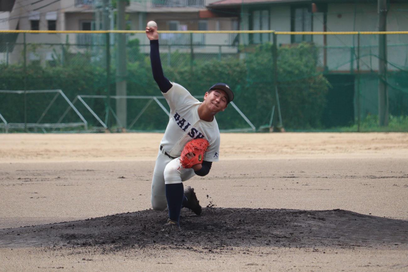 明石商との練習試合に先発した大分商・川瀬(撮影・望月千草)