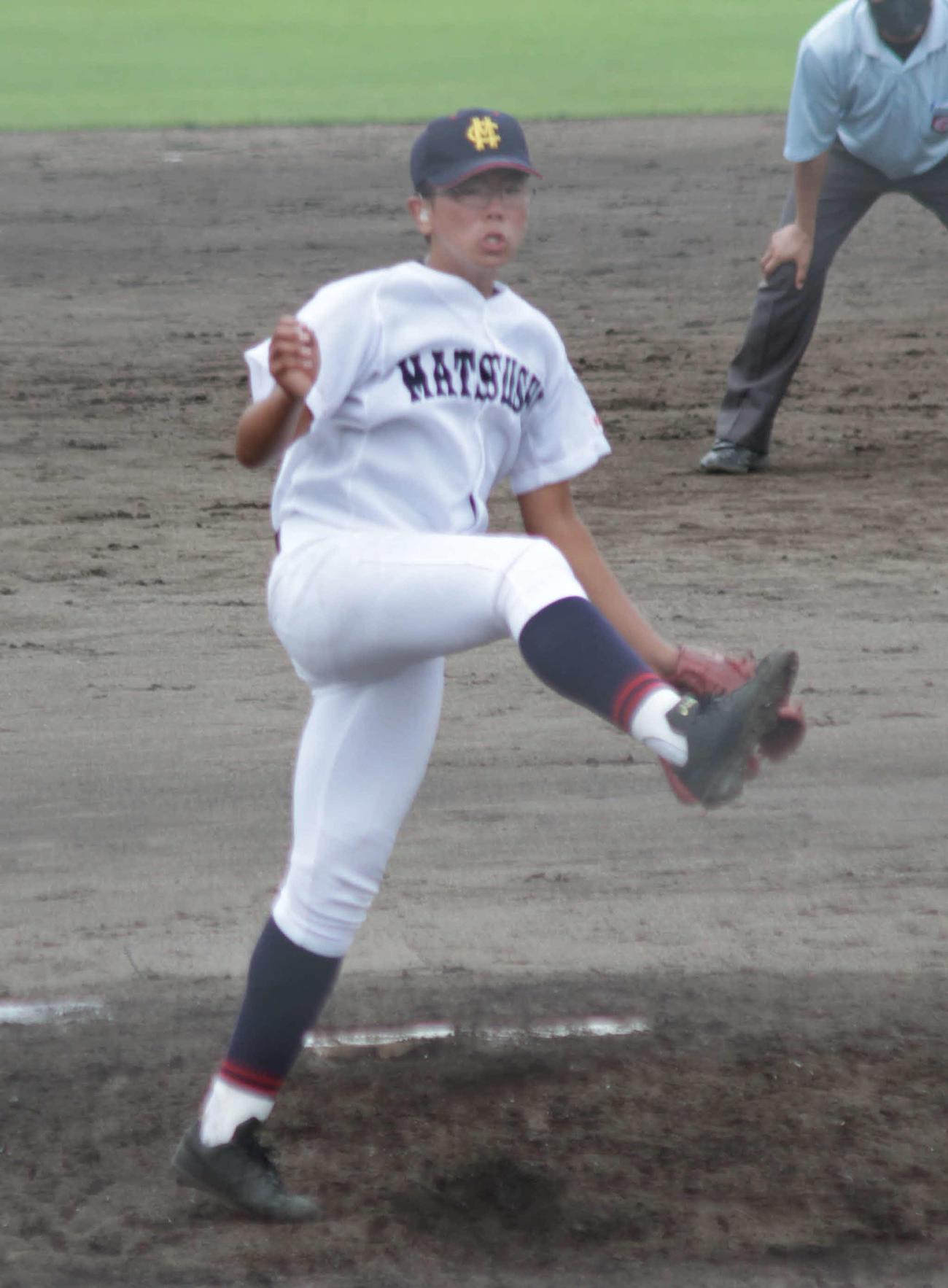 松阪商・松山は三振を奪い豪快なフィニッシュを見せる
